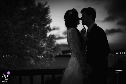 Wedding photography portrait from Rio de Janeiro of silhouetted couple