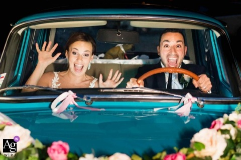 Wedding photography portrait in car with the bride and groom from Presov, Slovacchia