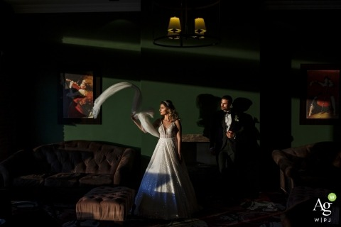 Ufuk Sarisen is an artistic wedding photographer for Istanbul