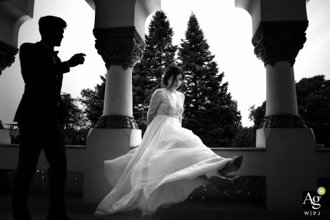 Cristina Tanase is an artistic wedding photographer for București
