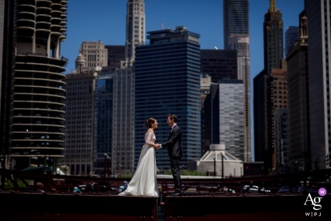 Chicago, Illinois wedding photograph of bride and groom with city skyline behind