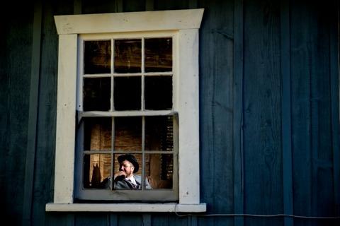 lake-Tahoe-wedding-fotografo-sposo-window-venti miglia-house