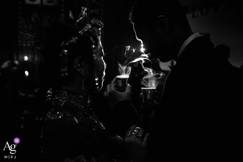 Moment herbaty czczącej się wzajemnie z narzeczonym w Fuzhou, Fujian, Chiny