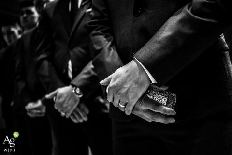 Toronto kreative Hochzeitsfotografie | Detail der Hände des Bräutigams und der Trauzeugen