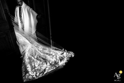 Künstlerische Hochzeitsphotographiedetails Ontario Kanada | Brides Spitzenkleid