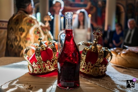 Detalle de la fotografía de la boda tomada de coronas en Sofía, Bulgaria durante la ceremonia