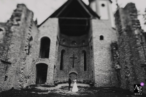 Hofgut Hohenkarpfen Castle | wedding portrait in black white and tilt shift