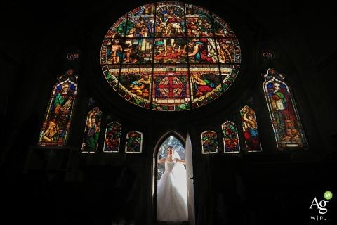 Fotógrafo de bodas en la iglesia de San Jaime: ¡la novia!