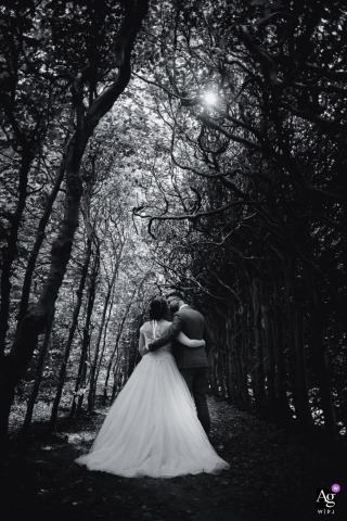 Karen Velleman is an artistic wedding photographer for Groningen