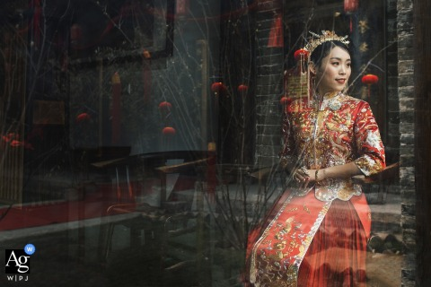 Wenbo Si is an artistic wedding photographer for