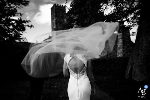 Annie Kheffache es una fotógrafa artística de bodas para Dublín
