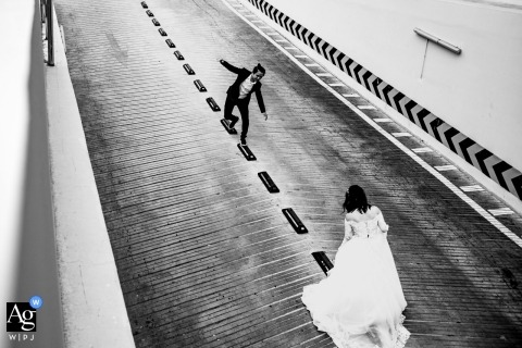 Au Nguyen is an artistic wedding photographer for