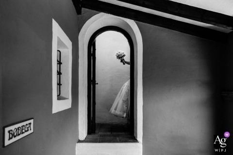Rocio Vega Roa is an artistic wedding photographer for Leon