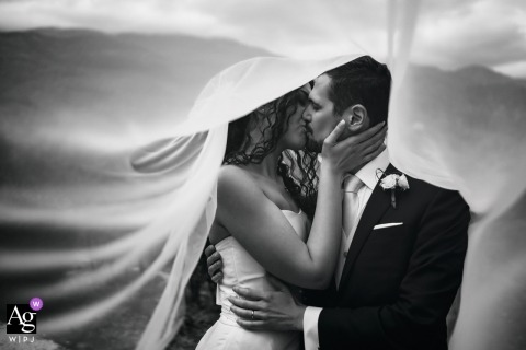 Valle ell'Aquila - Settefrati (Fr) | Wedding Photo / Portrait of the Bride and Groom Kissing
