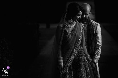The Grove - Watford Trouwdagportret van de bruid en bruidegom in zwart en wit