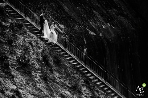 Restaurant Lebed Wedding Day Portrait | Photo of the Bride and groom descending the stairs