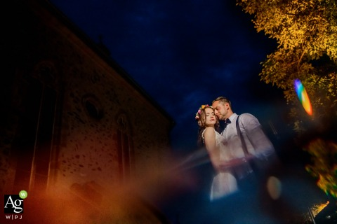 Schloss Romrod wedding venue photo | Portrait of the bride and groom at the castle in the blue hour