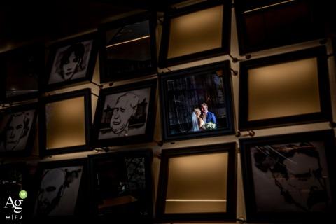 Chicago - Renaissance Hotelwedding venue portrait photo | a couple in a mirror at a bar