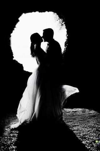 Zdjęcia ślubne z Włoch - Paradiso di Barchi - Portret pary w czerni i bieli