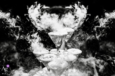 Russia wedding photographer captured a details image in black and white of a champagne slide