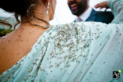Auvergne-Rhône-Alpes wedding photography - drome	- lavender detail picture and the bride