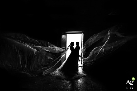 firenze - certosa couple portrait in the windows | wedding day photography in black and white
