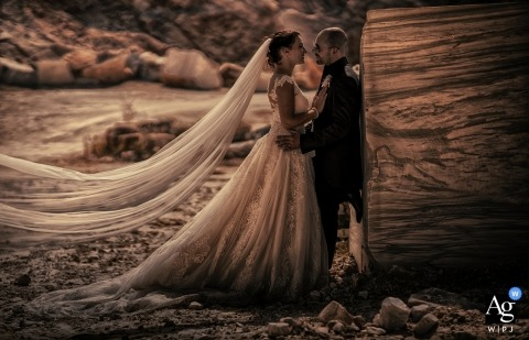 Carrara Wedding marmo - portrait photography in nature with Sepia treatment