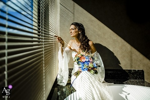 İstanbul Marriot Asia Hotel wedding venue photography | Bride waiting for the groom