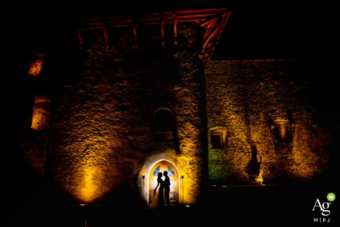Ravensburg the castle wedding venue photo | Bride and groom portrait and a silhouette
