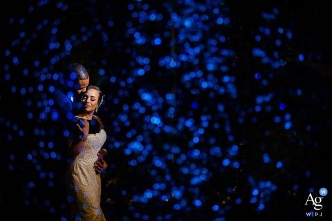 El fotógrafo del lugar de la boda de Merion: una cascada en el frente y algo de color agregado para crear un ambiente.