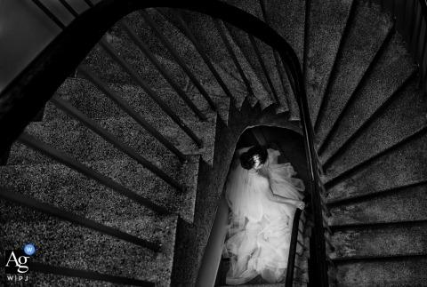 Ho Chi Minh Chinese trouwfotograaf - portret van bruid op trappen