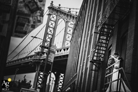 Dumbo, Brooklyn, New York | Bride & Groom portrait at the bridge in black and white