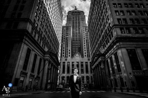 board of trade chicago groom portrait in black and white on wedding day