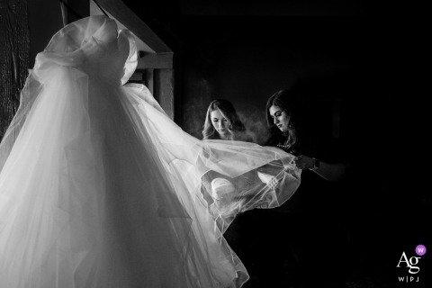 Tanya Parada is an artistic wedding photographer for California