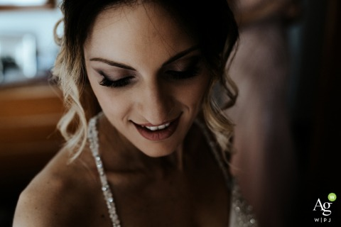 Abruzzo wedding day portrait of the bride at Home