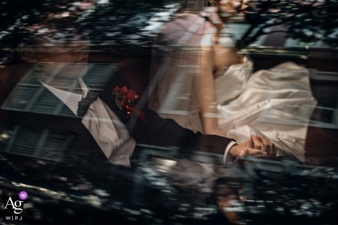 Fujian couple in the car - Photo of bride and groom Holding hands to go
