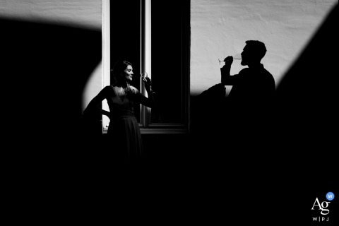 Flanders Wedding Portrait Photographer | A toast for the bride and groom in great light