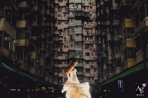 Hong Kong Bride gooit haar jurk tijdens bruidsportret sessie