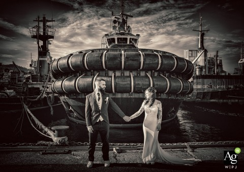 La Spezia Vintage love portrait | Wedding day photography with a tug boat in the background