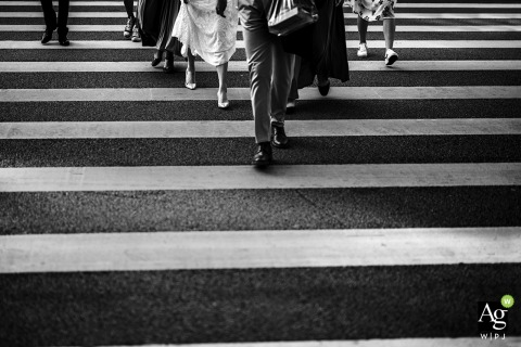 Xiamen wedding photography of the wedding party crossing the road - Wedding details of feet, shoes and legs