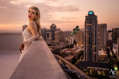 San Diego Marriot Marquis wedding venue portrait photography | Bride above the San Diego skyline