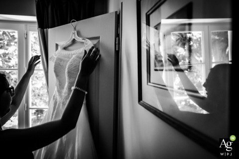 Montpellier, FRANCE wedding day photography | The bride Hanging the dress