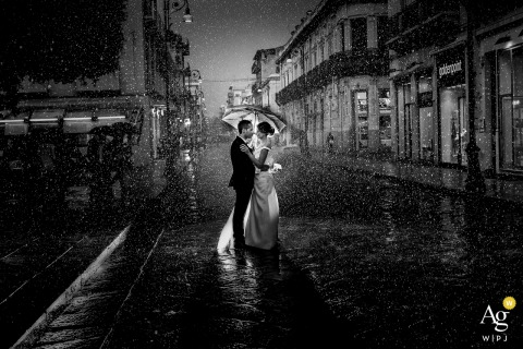 Reggio Calabria wedding portrait of the couple in the rain