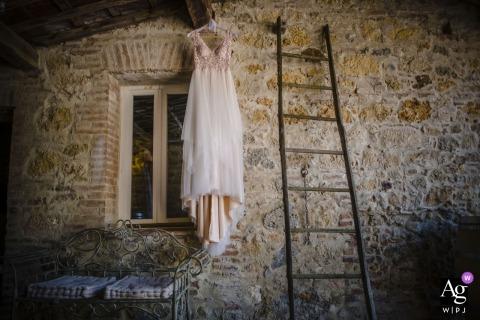 Fotografia de preparação - Chiusdino, Toscana - ITÁLIA | O vestido de casamento!