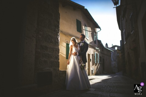 Free Photo Session Location - Cetona, Tuscany - ITALY | Couple Portrait in the ancient village of Cetona, Tuscany