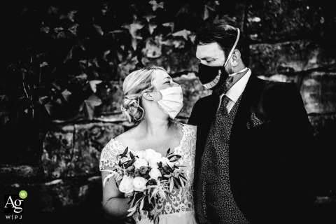 Burg Staufeneck black and white Wedding Portrait during the Covid Pandemie 2020
