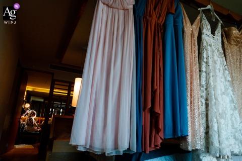 墨西哥新娘夢海灘(A Dreams Playa Mujeres)的新娘用懸掛式連衣裙在這張照片中最後噴髮膠