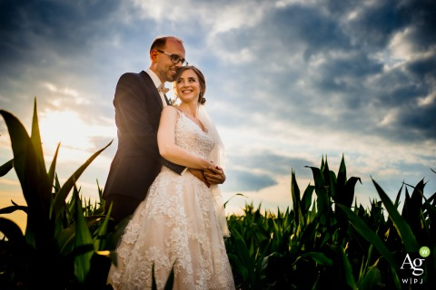 Mannheim artistic wedding couple portrait of a couple standing in the growing fields of love