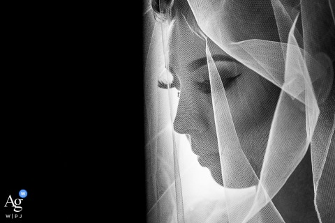 Casa de Airbnb, Santa Teresa, RJ artistic wedding picture of the bride's face and her veil in black and white