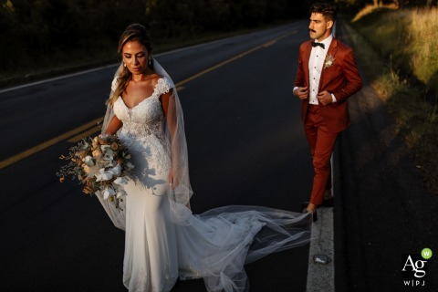 Gramado, Brazil artistic wedding couple portrait - Bride and groom in the middle of the road